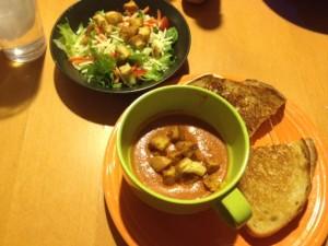 tomato-soup-plated-photo